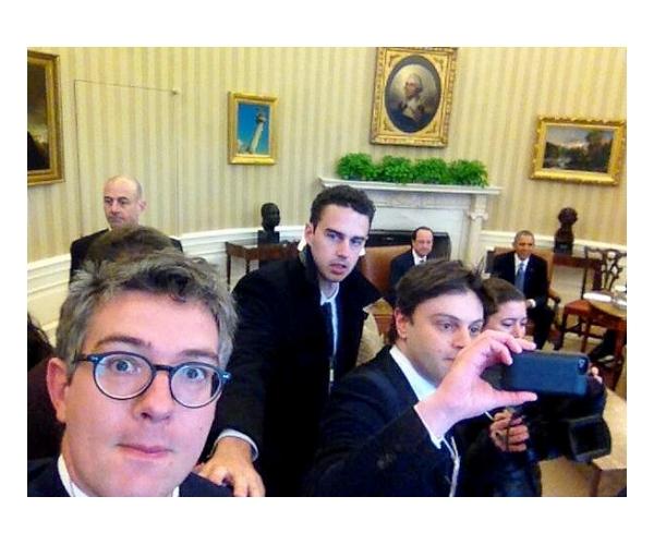 selfie dans le bureau ovale d'Obama du talentueux Thomas Wieder du journal Le Monde