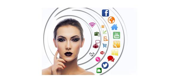 Woman-Medias Sociaux
